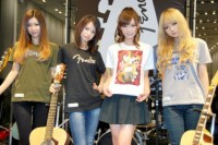 SCANDAL(左から)TOMOMI、HARUNA、RINA、MAMI(C)ORICON DD inc.