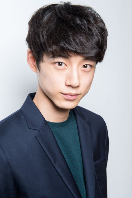 坂口健太郎 在日 韓国人 ハーフ 韓国,人気