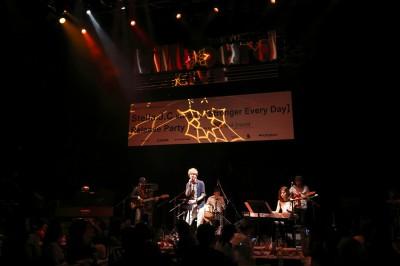 ジャズ歌手、ウーター・ヘメルもライブに参加