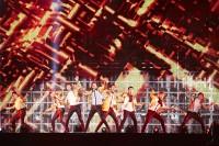 EXO(左から)チェン、スホ、セフン、カイ、チャンヨル、ディオ、ベクヒョン、シウミン