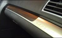 『未来愛車navi.』Vol.1フォード『エクスプローラー』: ウッド調の高級感溢れる室内