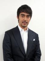 NHK総合『戦後70年 一番電車が走った』に出演する阿部寛 (C)ORICON NewS inc.