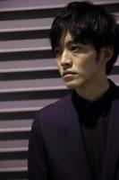 松坂桃李『日本のいちばん長い日』インタビュー(写真:鈴木一なり)