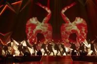 初の日本ツアーを開催したEXOEXO(左から)シウミン、チェン、スホ、セフン、チャンヨル、カイ、ディオ、ベクヒョン、レイ、タオ