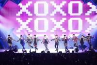 初の日本ツアーを開催したEXOEXO(左から)ベクヒョン、カイ、タオ、シウミン、スホ、チェン、レイ、セフン、ディオ、チャンヨル