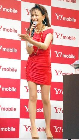ボディコン姿で抜群のスタイルを披露した田中美奈子=Y!mobile『Android One』発売記念イベント (C)ORICON NewS inc.