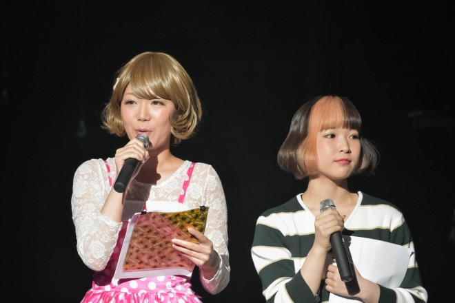 MCの響乃じゅん子、中森一夏/『a-collection』