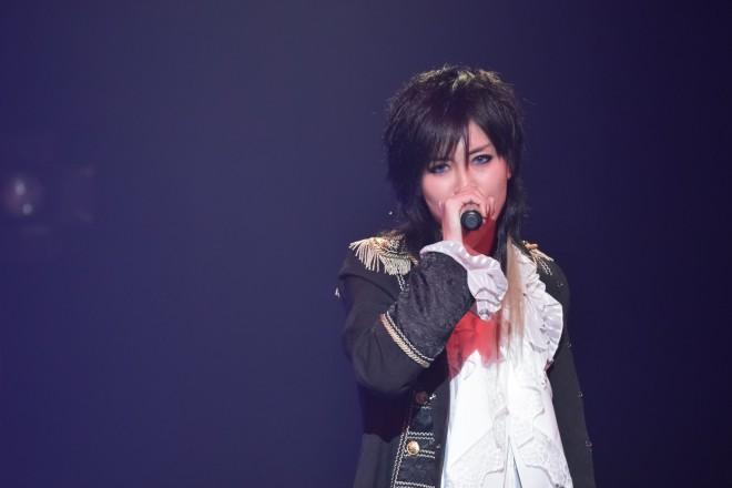 男装女性歌手AKIRAライブ/『a-collection』