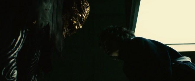 身長189cmの金色の体に6本の指を持つ巨大な死神・ベポ。松坂桃李が死神の声に初挑戦