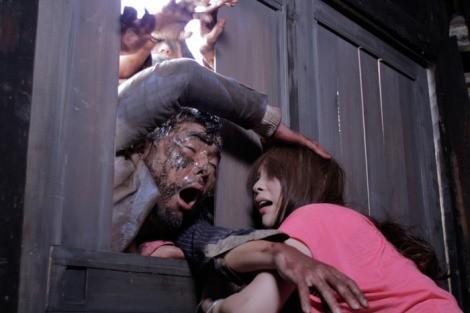 井口昇監督の名作『ゾンビアス』(C)2011 GAMBI