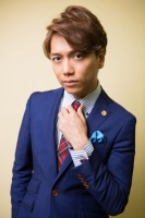 山崎育三郎インタビューカット(写真・西田周平)