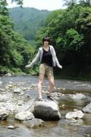 地元・秋川での撮影ではしゃぐ木村選手(フォト&エッセイ『Saori』より/JVA承認2011-11-003)【未収録カット】