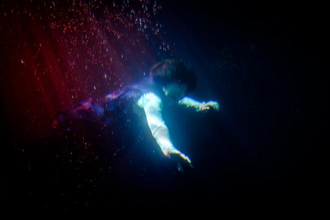 過酷な撮影を乗り切った水中シーン