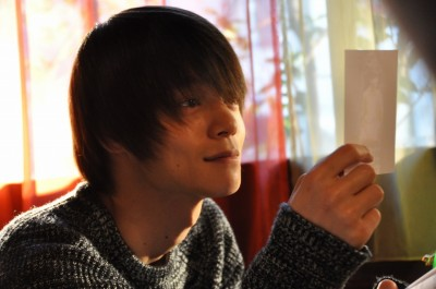 Kis‐My‐Ft2の藤ヶ谷太輔と窪田正孝のキスシーンがある『MARS〜ただ、君を愛している〜』(C)劇場版「MARS〜ただ、君を愛してる〜」製作委員会