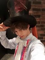 マッドハッターの帽子をかぶる志村禎雄