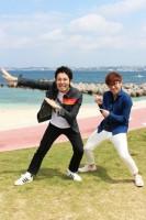 デビュー10年を振り返るオリエンタルラジオの(左から)中田敦彦、藤森慎吾