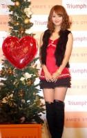 自身プロデュース『AMO'S STYLE クリスマスキャミソール』記者発表会に出席した佐々木希 (C)ORICON DD inc.