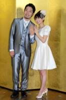 2ショット結婚報告会見を開いたオリエンタルラジオ・中田敦彦&福田萌