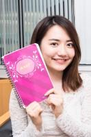椎木里佳のこだわり仕事アイテムはノート:対談撮り下ろしカット(写真:鈴木一なり)