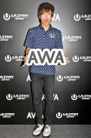 『ULTRA JAPAN 2016』のAWAブースに来場した鈴木勤