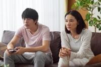 『グッドモーニングショー』劇中カット(C)2016 フジテレビジョン 東宝
