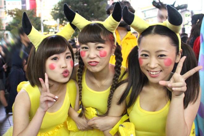 渋谷で見つけた仮装美女(ピカチュウ)