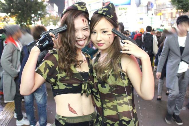 渋谷で見つけた仮装美女(アーミー)