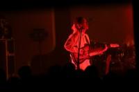 オ・ヒョク(Vo/G)初の日本ツアー東京公演を11月19日に渋谷duo MUSIC EXCHANGEにて開催したhyukoh(ヒョゴ)