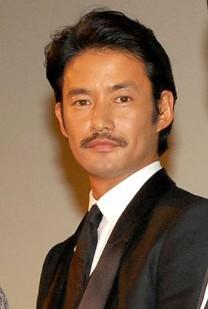 多くの話題作に出演しているベテラン俳優の竹野内豊