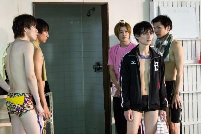 新ドラマ『男水!』第1話の場面写真 (C)男水!製作委員会