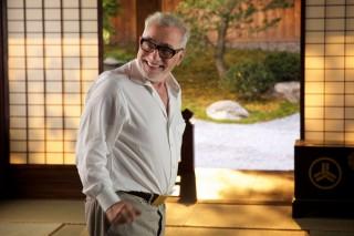 撮影現場で笑顔を見せるマーティン・スコセッシ監督のメイキングカット