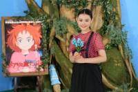 主人公のメアリの声優を務める杉咲花