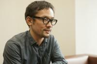 伊藤智彦監督インタビュー撮り下ろしカット(写真:逢坂 聡)