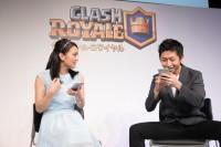 『クラロワ』の新CMに出演している岡田結実と人気YouTuberのきおきお(撮影:田中達晃)