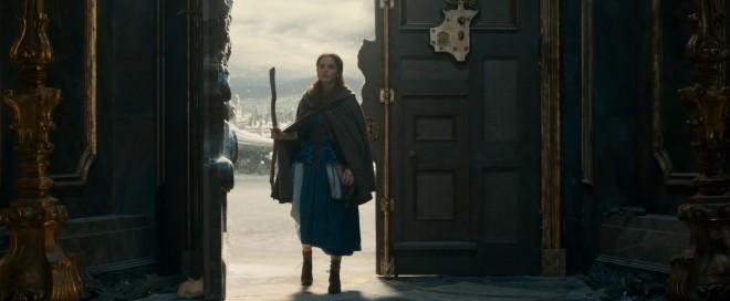 父・モーリスを探して呪われた野獣の城に迷い込んでしまうベル