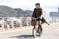 綾野剛主演日本テレビ系連続ドラマ『フランケンシュタインの恋』(毎週日曜 後10:30) (C)日本テレビ