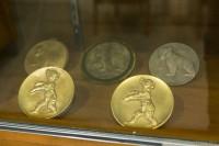 世界中の映画祭の受賞メダルも飾られているウォルト・ディズニーのオフィス/ウォルト・ディズニー・スタジオ