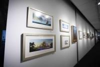 アニメーション・スタジオの廊下には、クリエイターのクリエイティブを刺激するためにアートワークのリプロダクツが多く展示されている/ウォルト・ディズニー・アニメーション・スタジオ