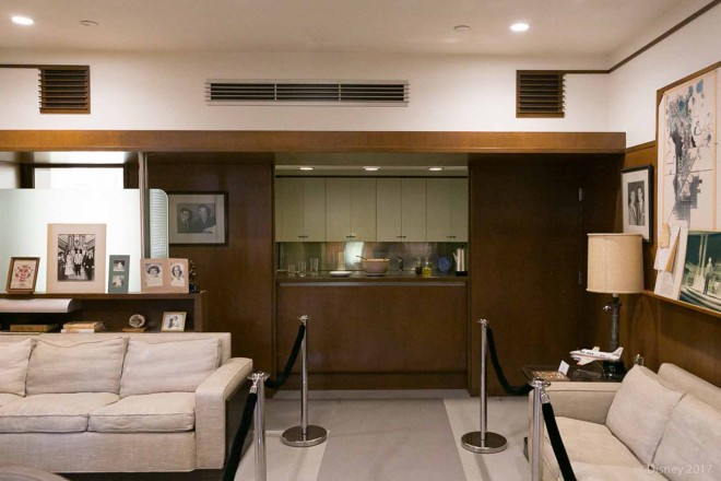 バーカウンターとキッチンも備えられていたウォルト・ディズニーのオフィス/ウォルト・ディズニー・スタジオ