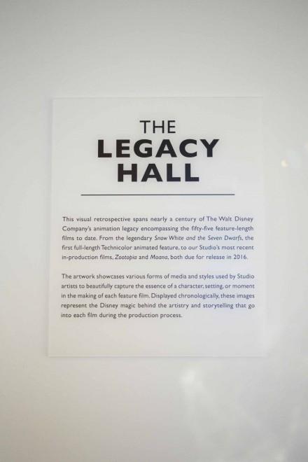 レガシーホールにはさまざまな作品のキャラクターが飾られている/ウォルト・ディズニー・アニメーション・スタジオ