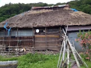 工藤あやのの実家。本当に藁葺き屋根です!