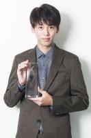 『過保護のカホコ』で『第9回コンフィデンスアワード・ドラマ賞』助演男優賞を受賞した竹内涼真(鈴木一なり)