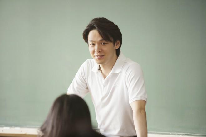 関矢正人(中村倫也) 映画『先生!、、、好きになってもいいですか?』劇中カット
