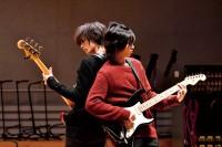 左から:モモ(小関裕太)、ユズ(志尊淳) 映画『覆面系ノイズ』