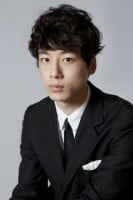坂口健太郎 (写真:逢坂聡)