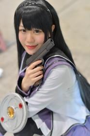 『魔法少女まどか☆マギカ』暁美ほむらのコスプレ 犬塚 和音さん @pipipi__07