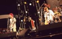 難波章浩 スペシャルインタビュー 『AIR JAM2000』ライブのワンシーン