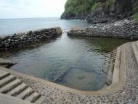 海岸沿いの露天風呂