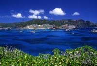 南島から望む父島ジニービーチ