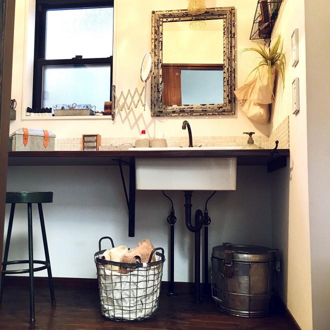 """たくさんの靴と服と暮らす アパレルバイヤー・小牧さんの""""整った部屋"""""""